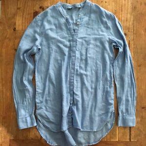 EUC Zara button down in Blue Small, pearl buttons
